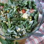 Zielona sałatka ze szpinakiem, szparagami i jajkiem