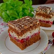 Ciasto Książę z Bajki – biszkopt z kremem straciatella i truskawkami