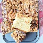 Ciasto drożdżowe z rabarbarem i kruszonką