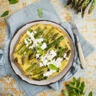 Omlet ze szparagami i serem feta