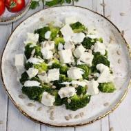 Sałatka z brokułem i fetą