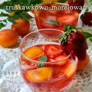 Sangria truskawkowo-morelowa