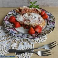 Ślimak z rabarbarem i truskawakami