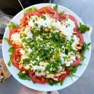Sałatka z pomidorów na grilla (pomidory pod pierzynką)