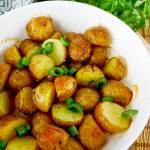 Młode ziemniaki pieczone w ziołach i miodzie