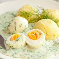 Jajka w sosie koperkowym. Pyszny obiad w starym stylu. PRZEPIS
