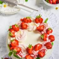 Tort waniliowo-truskawkowy