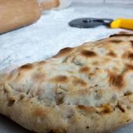 Calzone nadziewana pizza w kształcie pieroga