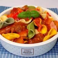 Makaron z sosem słodko – kwaśnym