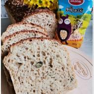 Chleb z ziarnami i makaronem