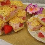 Ciasto truskawkowe pod truskawkową bezą