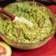 Kremowe guacamole idealne do chipsów, czy grzanek