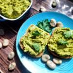 Wege pasta z bobu – sposób na zielone kanapki