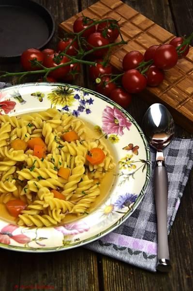 Rosół pomidorowy