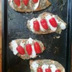 Filety z piersi kurczaka zapiekane z pesto