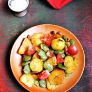 Ziemniaki z bobem i pomidorami