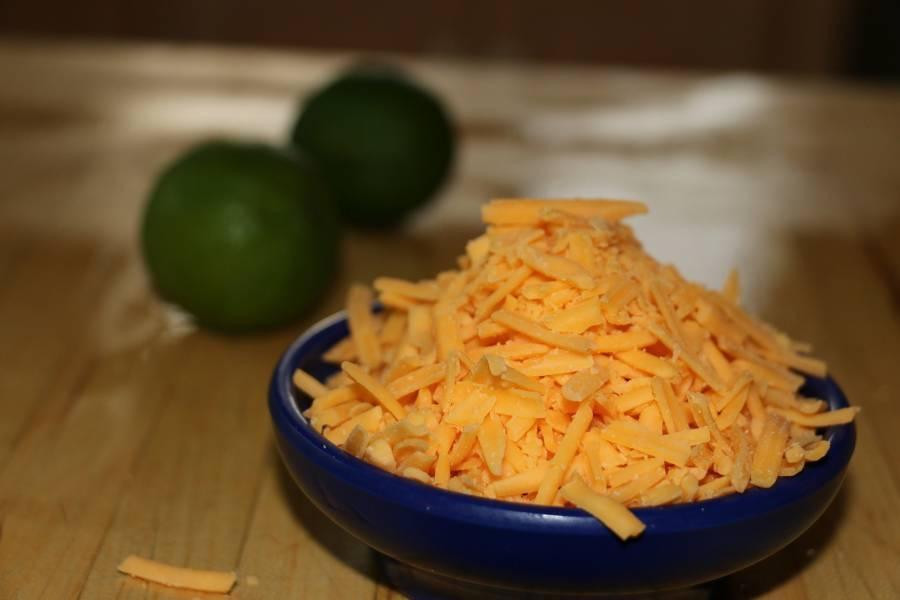 Ser cheddar – pyszne przepisy na sosy i inne serowe dania