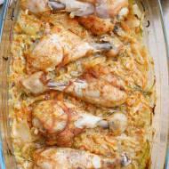 Podudzia z kurczaka pieczone na młodej kapuście