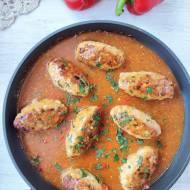 Roladki z mięsa mielonego w sosie z papryką