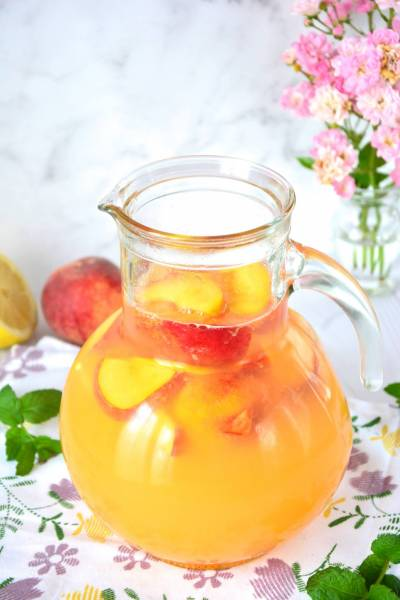 Lemoniada brzoskwiniowa