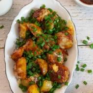 Pieczone ziemniaki w sosie słodko-ostrym