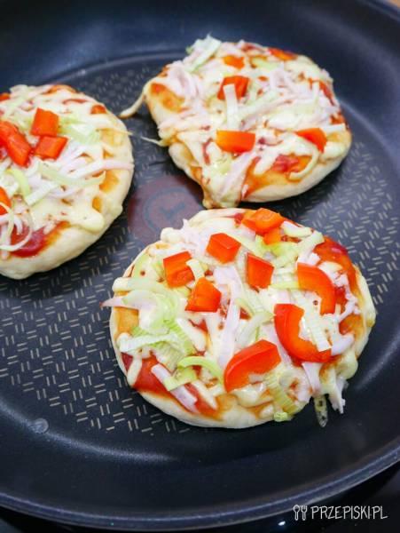 Pizzerinki z patelni