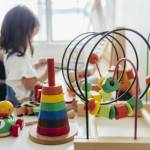 Zabawki wspierające zdrowy rozwój dziecka. Jakie wybrać?