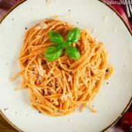 Spaghetti gotowane w pomidorach