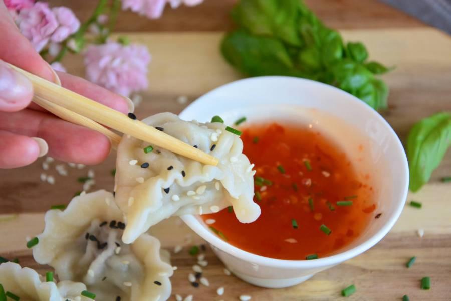 Pierogi chińskie z wieprzowiną i kapustą pekińską
