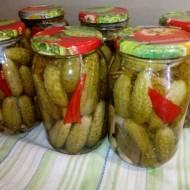 Ogórki konserwowe z papryką chili