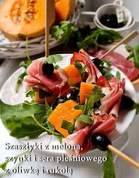 Szaszłyki z melona, szynki i sera