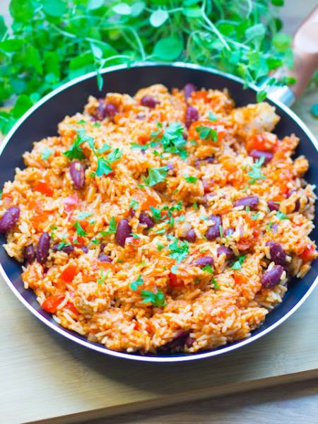 Szybki ryż po meksykańsku z patelni
