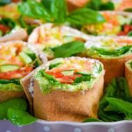 Wrapy gryczane z ricottą, pesto i warzywami