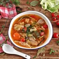 Zupa z młodej kapusty i pędów czosnku