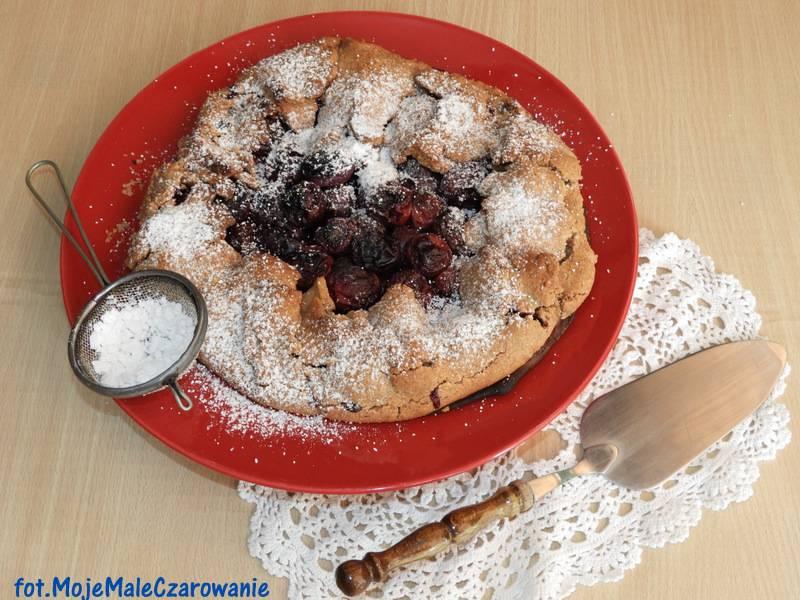 Rustykalna tarta z wiśniami