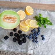 Naturalna owocowa woda smakowa bez cukru
