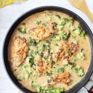 Kurczak w sosie z brokułami