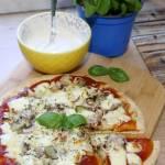 Ekspresowa pizza z halloumi