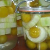 cukinia z mirabelkami  ,czyli ananas po ukrainsku