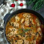 Indyk w sosie z gorgonzola i suszonymi pomidorami