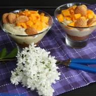Serowo - owocowy deser w pucharku