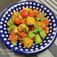 Klopsiki w sosie z pomidorków koktajlowych