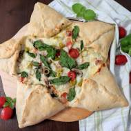 Pizza inaczej - gwiazda drożdżowa.