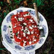 Pomidory z wędzonym twarogiem