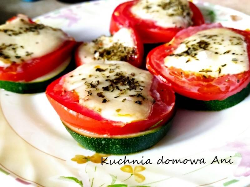 Cukinia zapiekana z pomidorem i mozzarellą