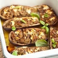 Bakłażany faszerowane z mięsem, oliwkami i fetą. PRZEPIS