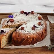 Ciasto orzechowe z serem skyr