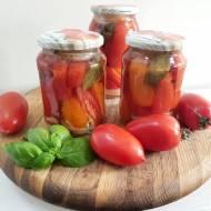 Pomidory w słoikach, na zimę po fińsku.
