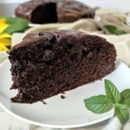 Leniwe ciasto czekoladowe z jagodami.