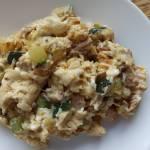 Jajecznica z mięsem i cukinią